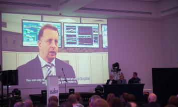 untitled-8020-na-ekranie-rzutnika-aleksander-grymel-dyrektor-jednostki-biznesowej-oxoplast