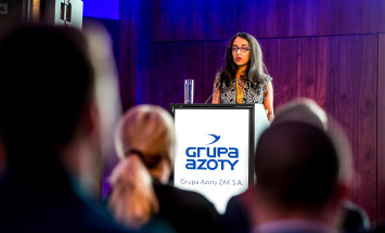 Hardeep Parmar, Specialty Chemical Director in a British consulting company Kline. In her lecture she described two decades of transformations of European chemical manufacturers.