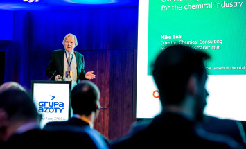 Mike Beal, Dyrektor ds. Consultingu Chemicznego w IHS Markit, podczas prelekcji na temat stanu i perspektyw rozwoju globalnych rynków chemicznych